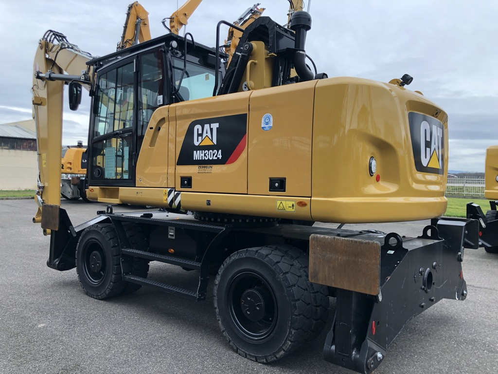 PELLE MANUTENTION CATERPILLAR MH3024-18 PM024