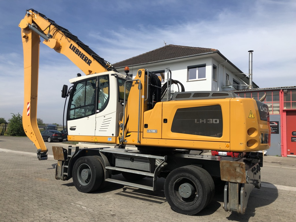 PELLE MANUTENTION LIEBHERR LH30M  PM043