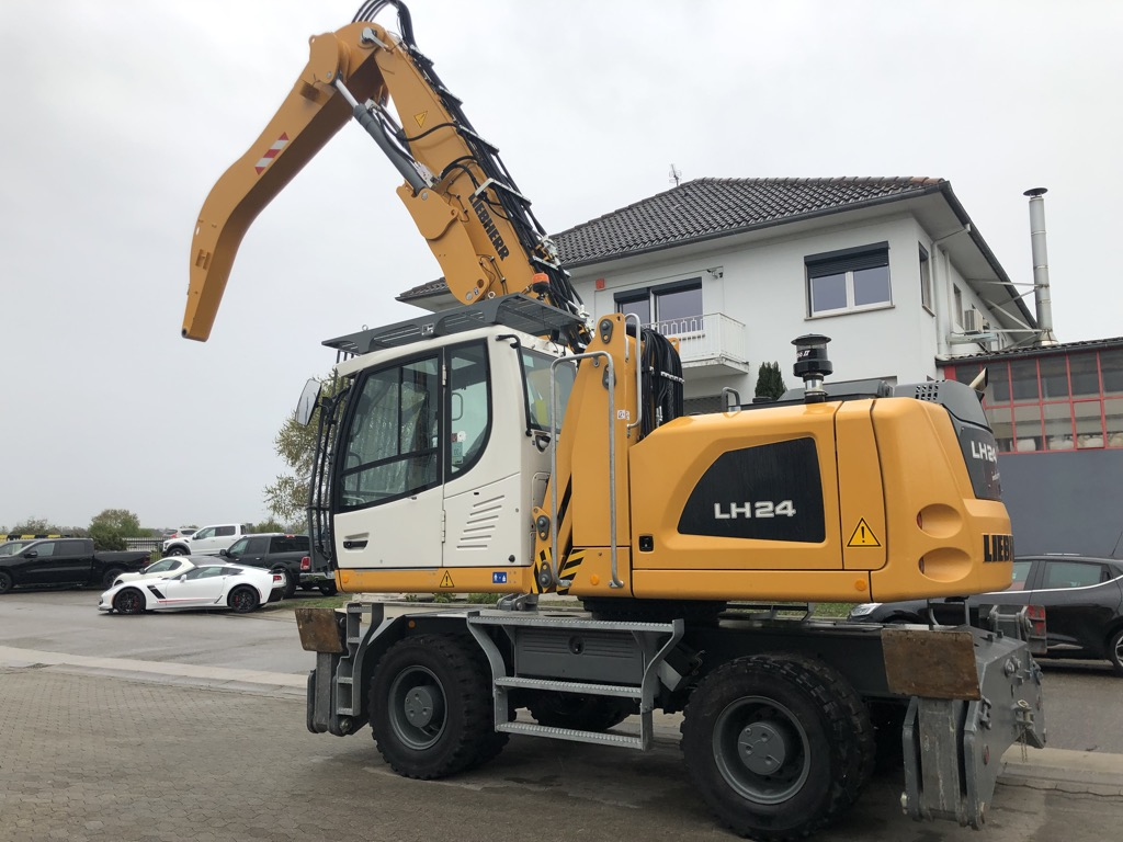 PELLE MANUTENTION LIEBHERR LH24M    PM018